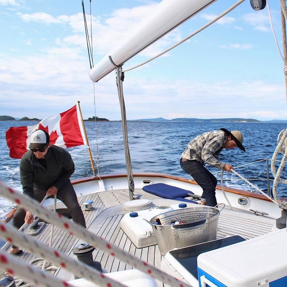 Sailing Esperanza, Sailing,
