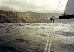 Peg Leg reaching to Oahu